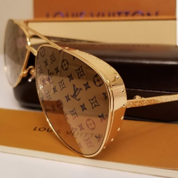 1c415087230 Louis Vuitton Other - Aut Louis Vuitton LasVegas Parano GoldStuds Z1054E